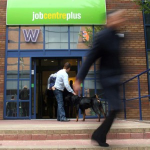 ONS report reveals a drop in UK unemployment
