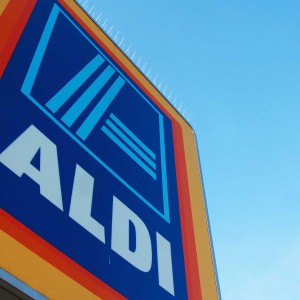 Aldi store in Maypole, Birmingham. credit: Mathew Growcoot / newsteam 06.03.11