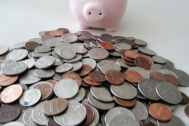 piggybank-moneypile