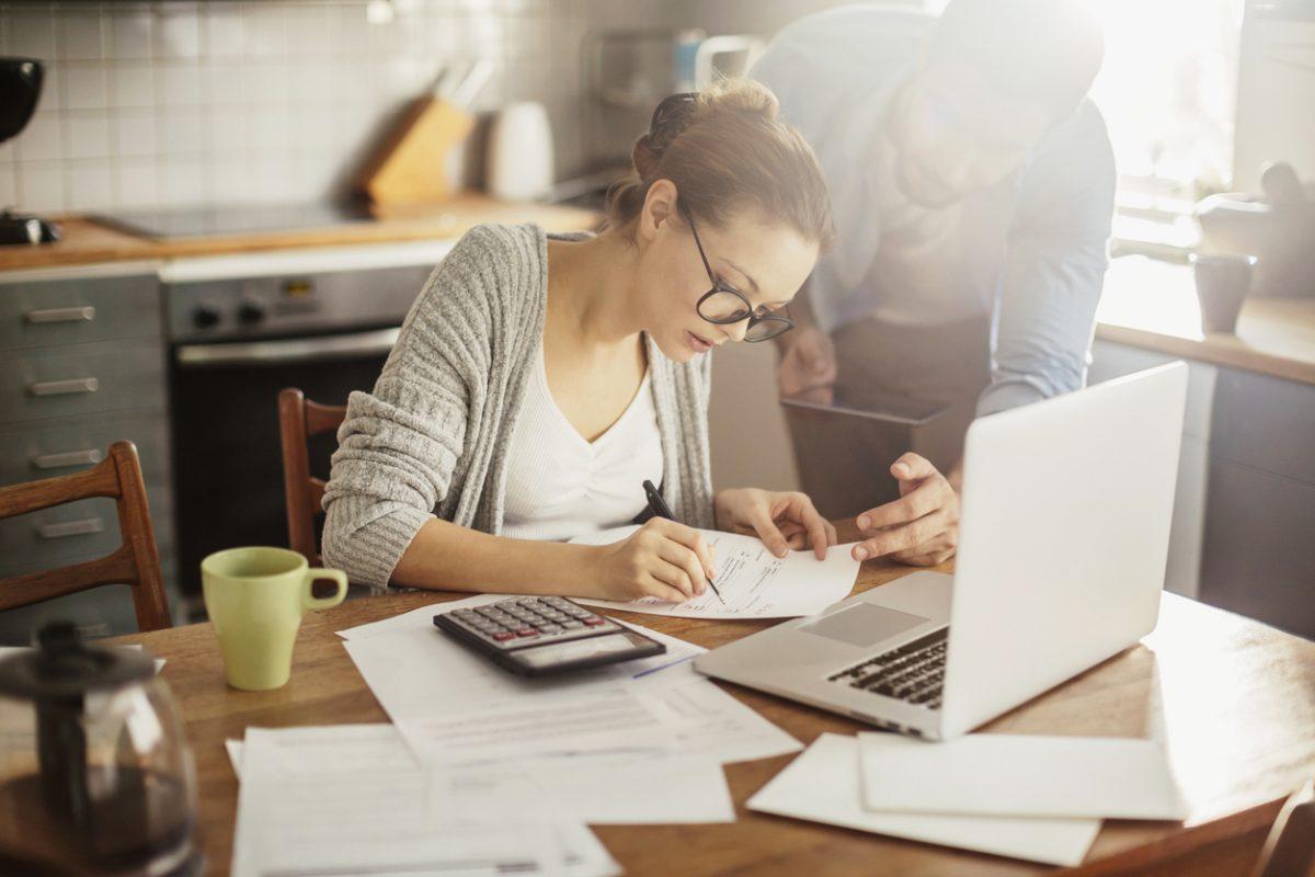 Grim financial fortunes for British millennials, report confirms